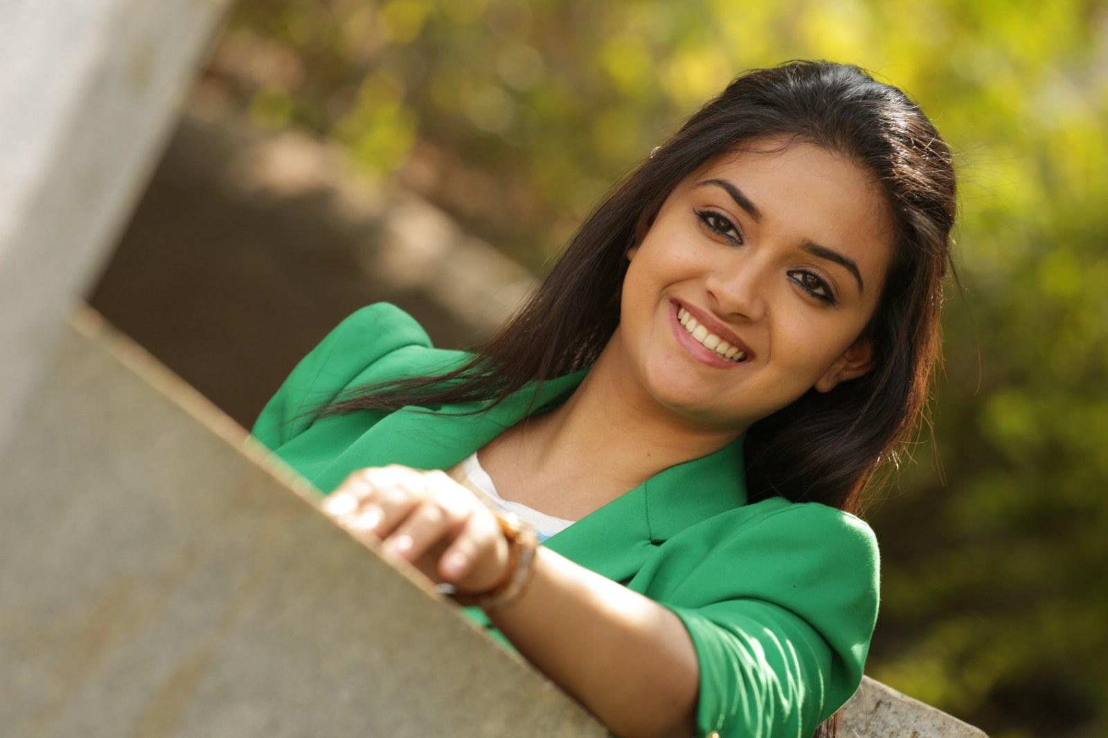 Kadhal Kadhai Actress Keerthi Suresh T...