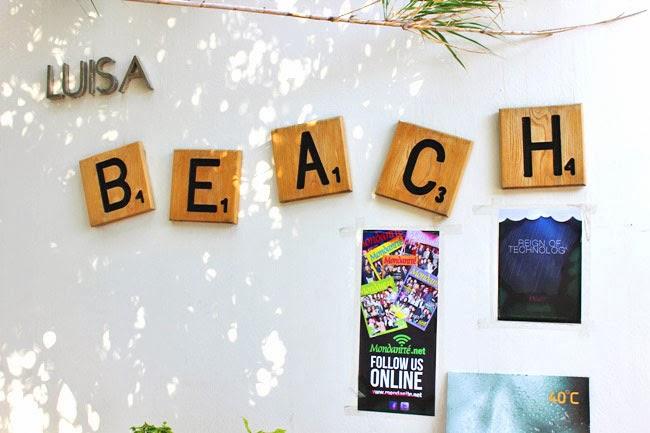 Luisa beach Psarou beach