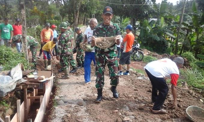 Lurah Limo Apresiasi Betonisasi Jalan Kopo Oleh TNI