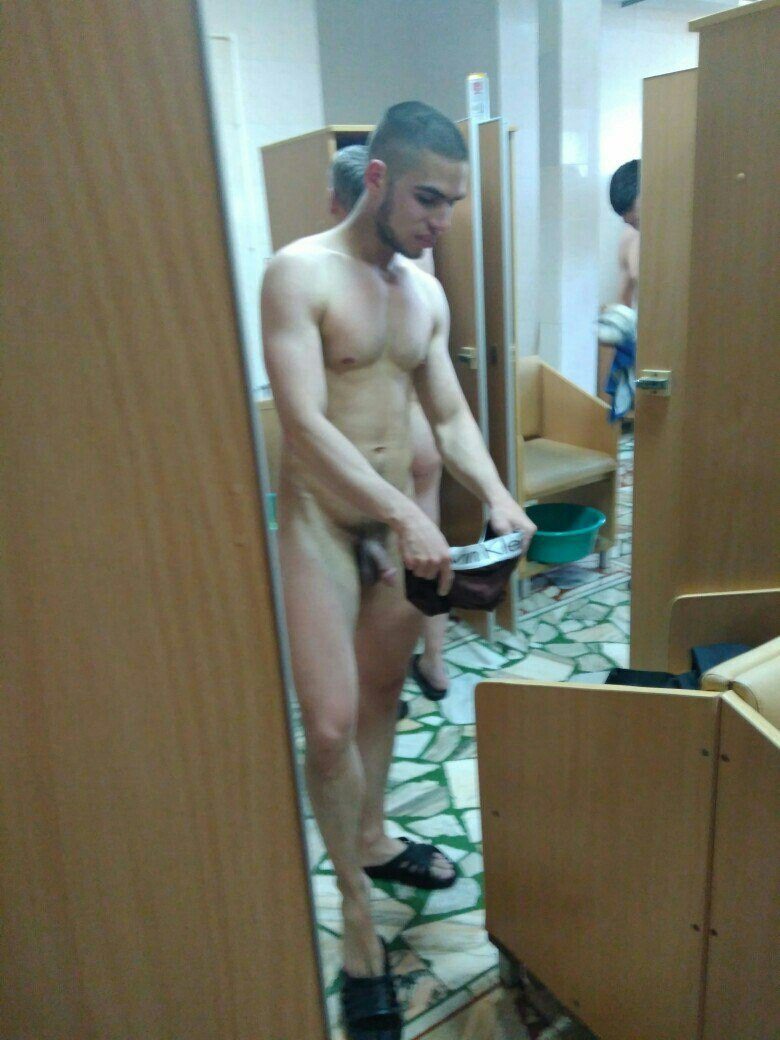 LOCKER ROOM GAY REAL