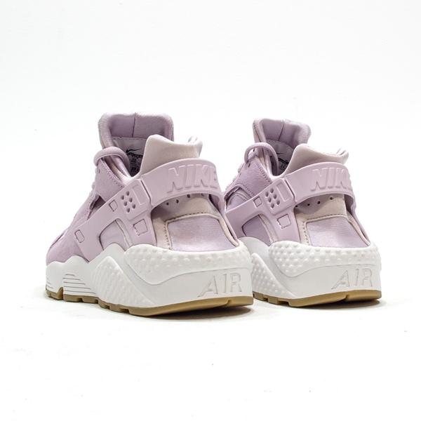 finest selection d58ab e4a56 Nike Womens Air Huarache Run Textile. Bleached Lilac, Bleached Lilac.  818597-500