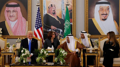 Donald Trump (L) meets with Saudi Arabia's King Salman bin Abdulaziz Al Saud