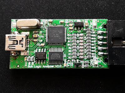 Placa de circuit a analizorului logic FX2LP