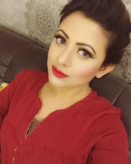 Azmeri Asha Bangladeshi Actress Selfie
