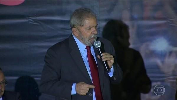 PLANTÃO - Após decisão do STF, defesa de Lula pede à Justiça que solte o ex-presidente