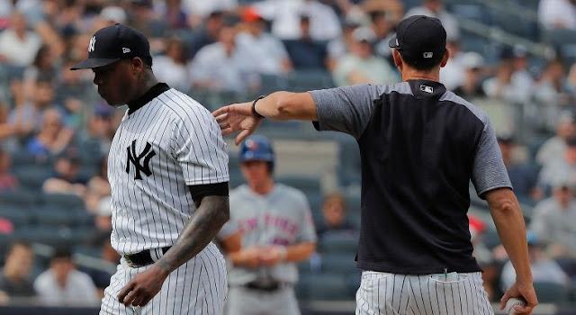 En su duelo ante los Mets, el lanzallamas cubano no logró sacar un solo out y permitió 3 hits, dio 3 bases por bolas admitiendo 3 carreras para poner en riesgo la victoria que lograron sacar los Yankees