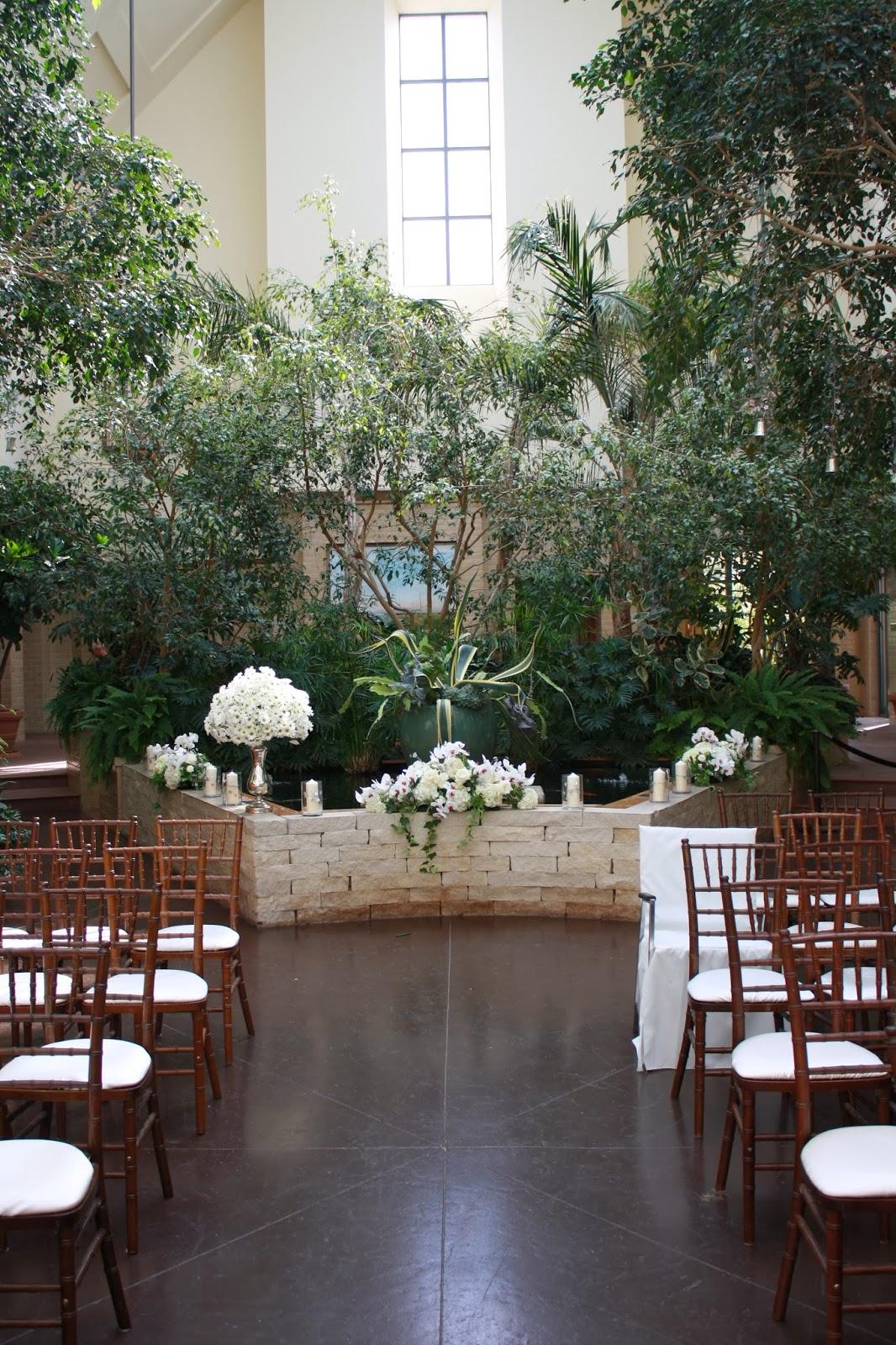 Calyx Glass Blog: Kaneko at Lauritzen Gardens  Lauritzen Gardens Wedding