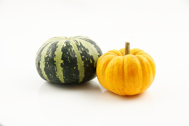 https://pixabay.com/pl/dynia-warzyw-jesieni%C4%85-%C5%BCniwa-zdrowy-1009599/