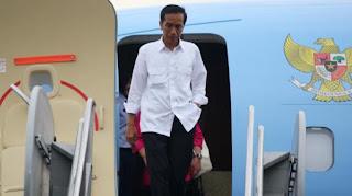 Ke Timur Tengah, Jokowi Transit di Bandara SIM