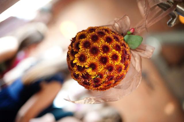 Fall+autumn+wedding+orange+red+halloween+pumpkin+hallows+eve+bride+groom+black+bridesmaids+dresses+orange+burnt+leaves+leaf+centerpieces+Alisha+Crossley+Photography+20 - The Bewitching Hour