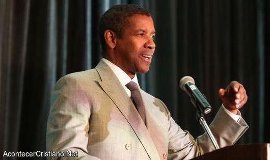 Denzel Washington predica en iglesia