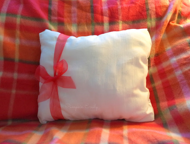 DIY Christmas Present Pillow