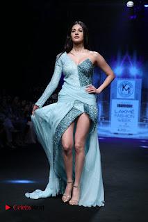 Actress Amyra Dastur Walk On Ramp for Designer Karn Malra at LFW Summer 2017  0020.jpg