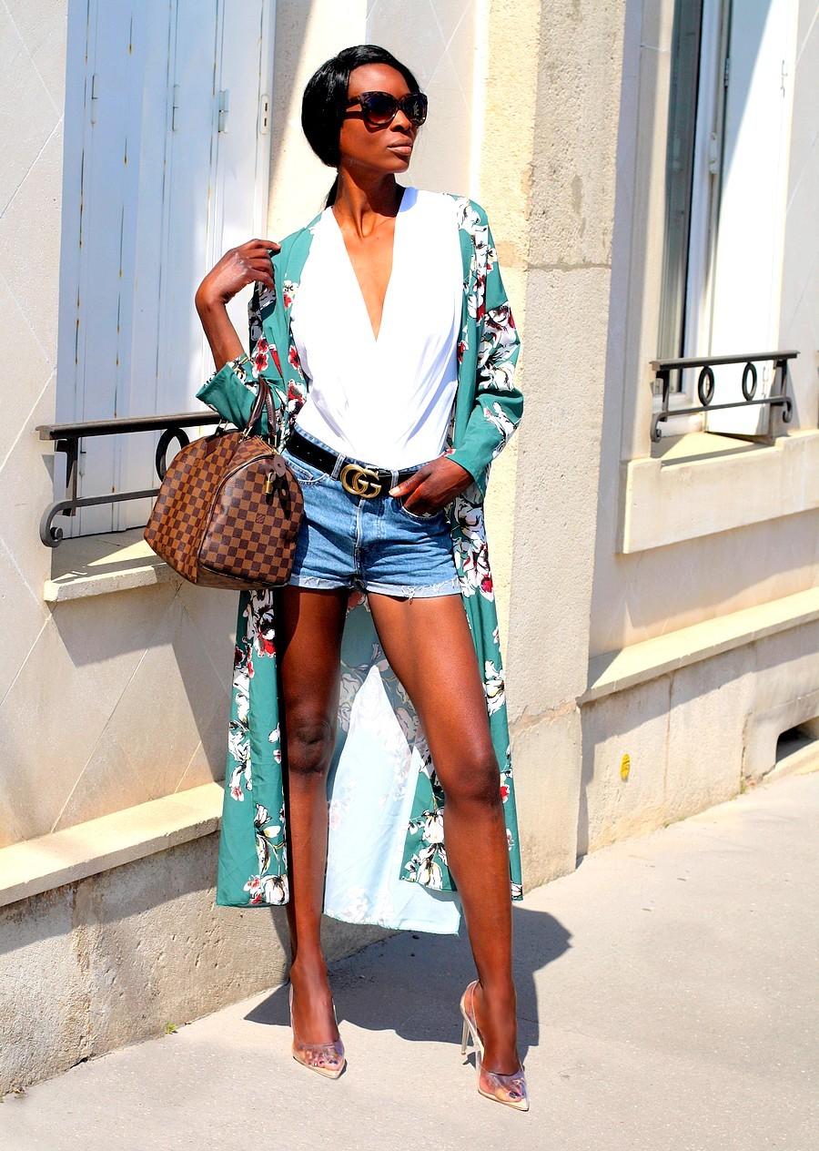 kimono-short-jeans-sac-speedy-louis-vuitton-escarpins-transparents