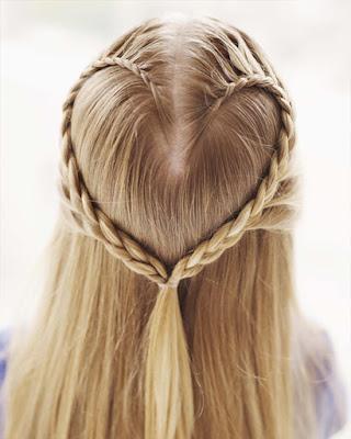 peinado con forma de corazon para niñas de navidad facil y sencillo