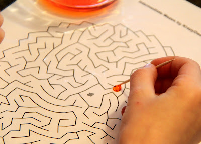 Water drop game with a printable maze.