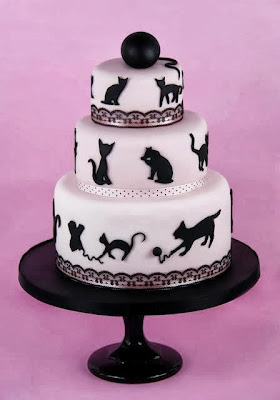 Tarta con decoración de gatos