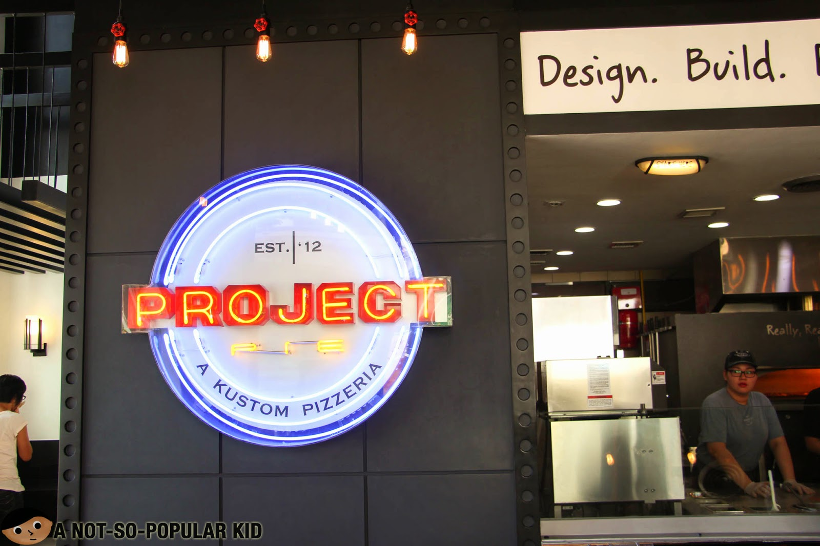 The Project Pie Logo - A Kustom Pizzeria