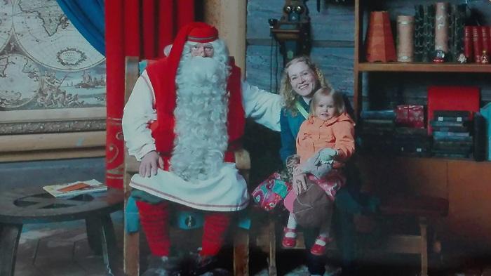 Joulupukin pajakylä lasta jännittää