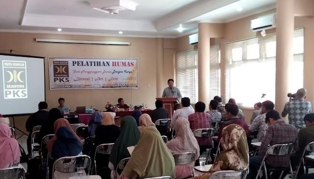 Dominasi Anak Muda di Pelatihan Humas PKS Kalteng