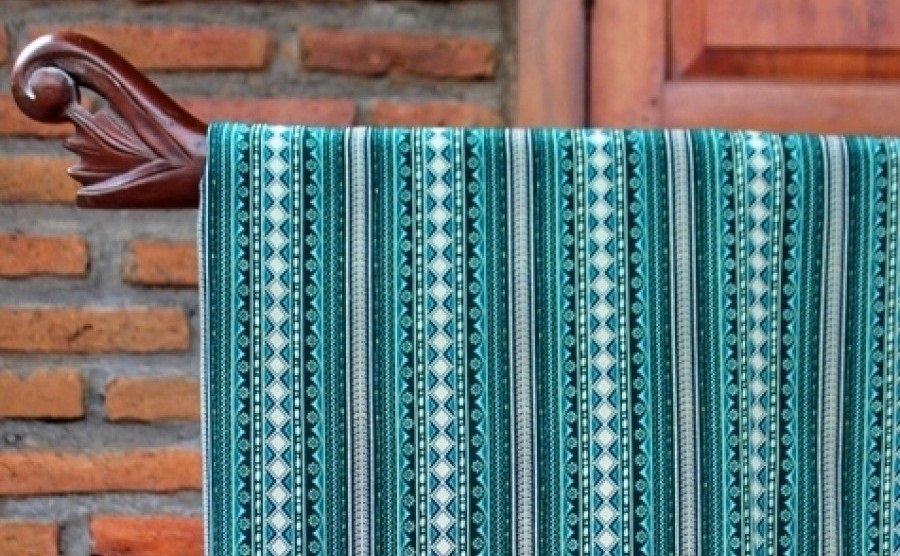 Model Pakaian Batik Untuk Wanita Gemuk Agar Terlihat Langsing Pilih Motif Vertikal