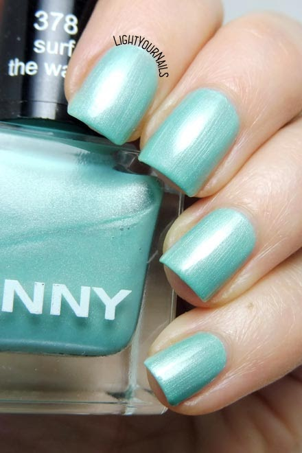 Smalto azzurro acquamarina Anny Surf the Wave aqua blue nail polish #nails #anny #unghie #annycosmetics #douglas #lightyournails