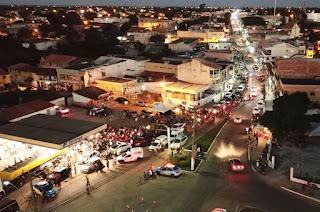 http://vnoticia.com.br/noticia/2786-chegada-de-carreta-com-20-mil-litros-de-gasolina-em-sfi-gera-fila-quilometrica