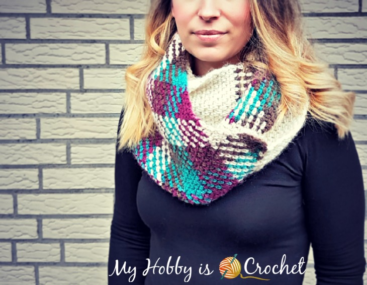 Argyle with a Twist Infinity Scarf - Free Crochet Pattern on myhobbyiscrochet.com