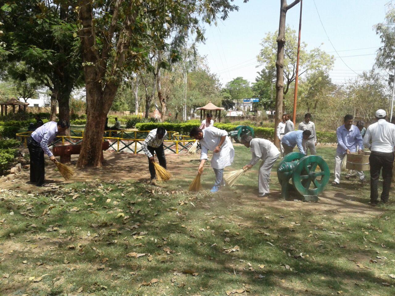 Diploma-Engineers-Association-launched-Sanitation-Campaign-डिप्लोमा इंजीनियर्स एसोसिएशन ने चलाया स्वच्छता अभियान