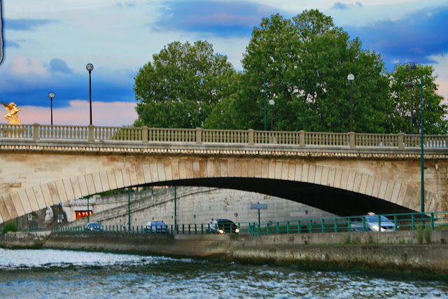 Concord Bridge. Seine. Paris. Мост Конкорд. Сена. Париж.