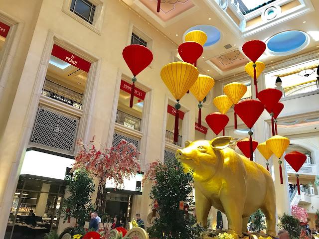 LasVegas, Venetianhotel, Vegasinsider, Travelnevada, Valentinesstay
