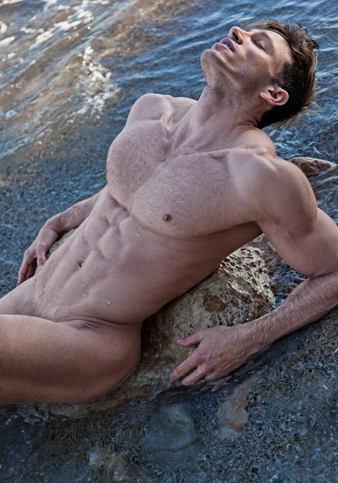naked-man-or