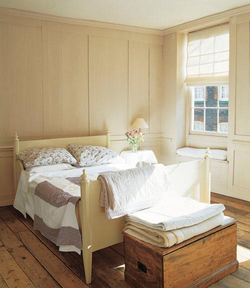 Cozy Small Bedroom Ideas: The Cozy Minimalist: Search: Cozy Simple Bedrooms