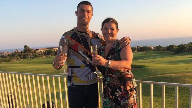 Η μητέρα του Κριστιάνο αποκάλυψε ότι πάσχει από καρκίνο