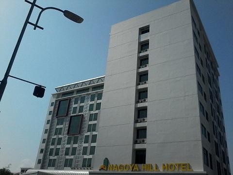 Batam City Square (BCS) di daerah Penuin juga diminati turis Singapura  untuk lokasi berbelaja karena selain luas f61fcfe324