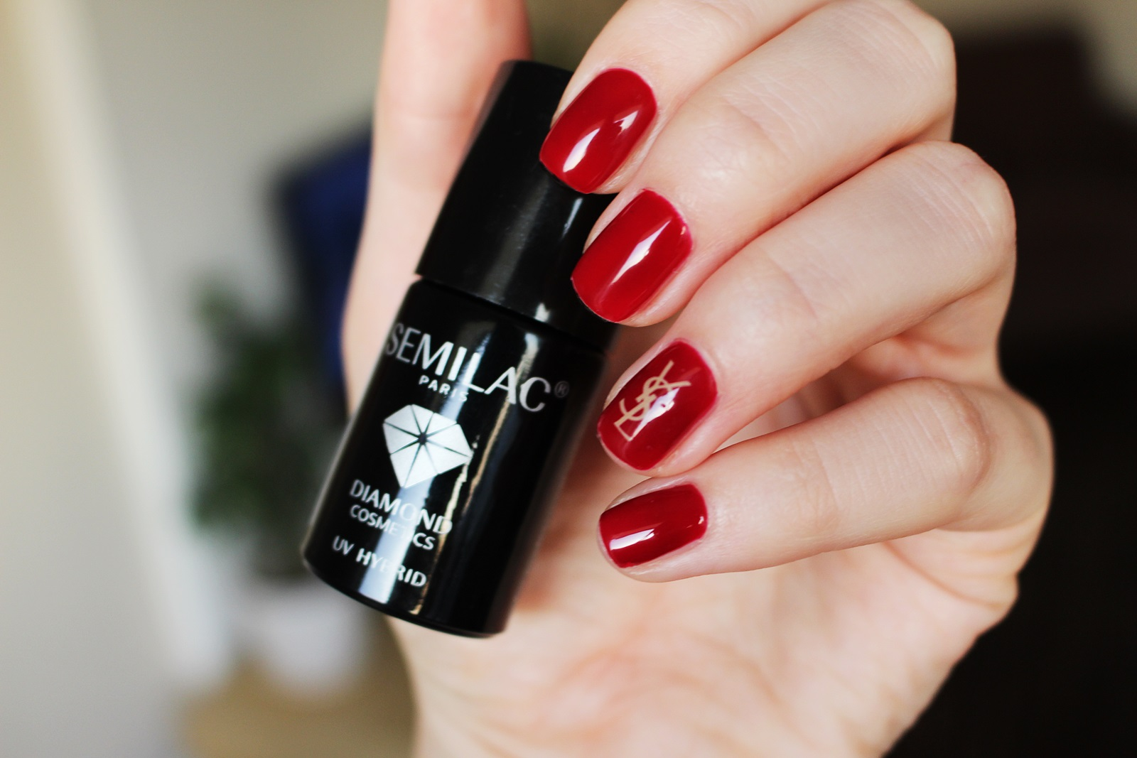 Lakier hybrydowy Semilac 071 Deep Red YSL nails brand nails red nails sexy classic lady nails gdzie kupic hybrydowe lakiery jaka firma do domu water dectal gucci dior chanel burberry