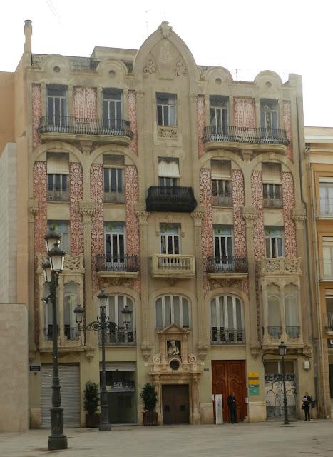 Modernismo em Valência - Casa Punt de Ganxo