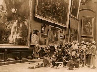 Visite du Louvre en 1900