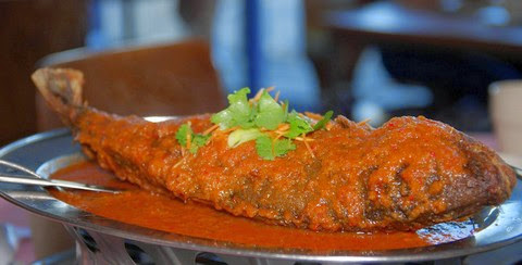 Fried Assam Fish with Shrimp Curry and Herbs