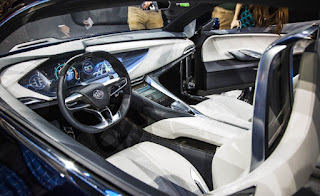 Buick-Avista-concept-show-floor-117-876x535
