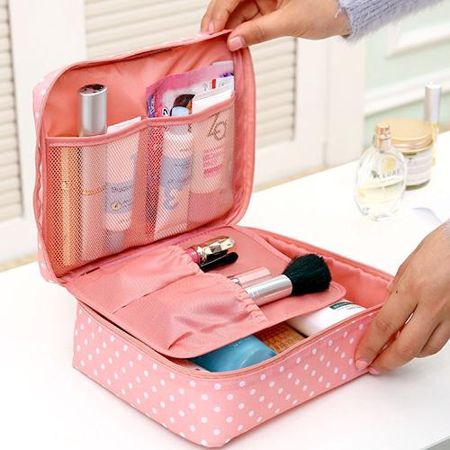 neceser de maquillaje rosa