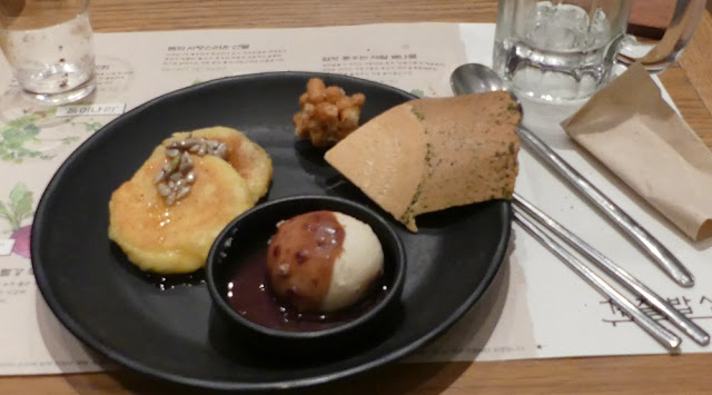 Seoul - Dessert beim Abendessen