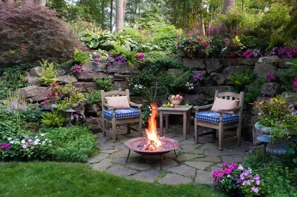 Садовый ландшафт - подпорная стенка