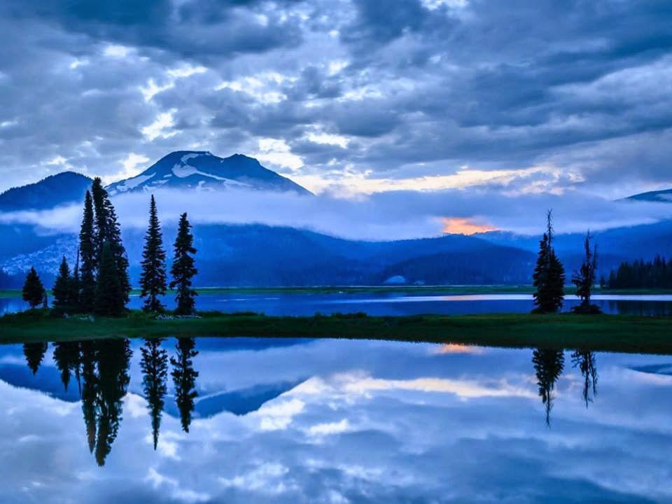 Lago nos montes Nevados