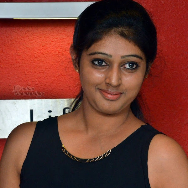 Kalyani Nair latest photos from Puthusa Naan Poranthen Movie Team Interview