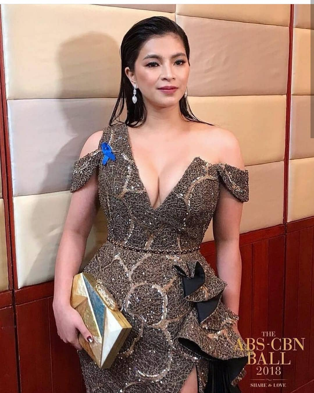 angel locsin abs cbn ball cleavage pics 02