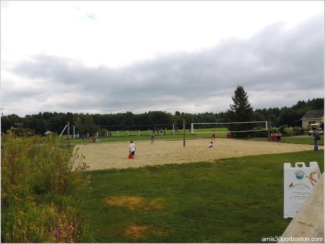 Granjas de Massachusetts: Pistas de Voleibol de la Kimball Farm