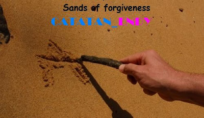 Menulis diatas pasir