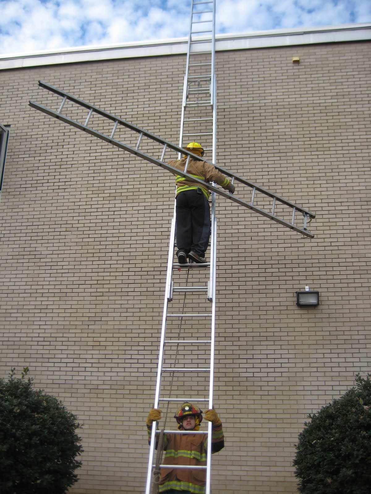 Roof Extension Ladder Amp Placehold Placehold Placehold