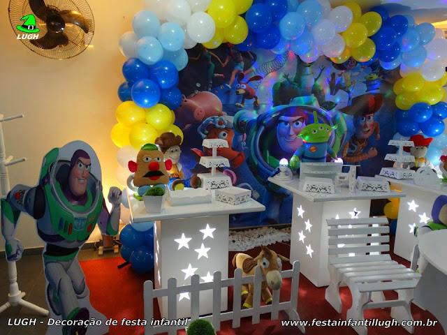 Decoração de festa infantil Toy story - Provençal simples